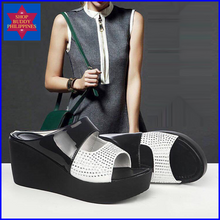 Load image into Gallery viewer, Rorry Wedge Sandals