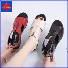Load image into Gallery viewer, Iva Leather Sandals