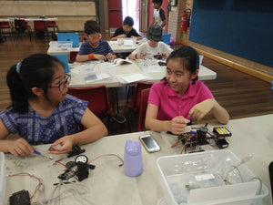 Coding and robotics classes for girls at RUNSTEM programming and robotics STEM school
