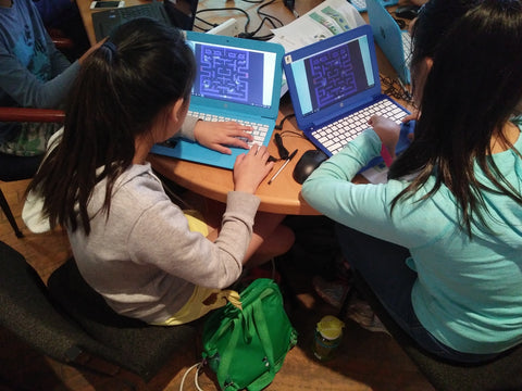 Girls learn coding 3D games at RUNSTEM coding and robotics STEM school in Sydney
