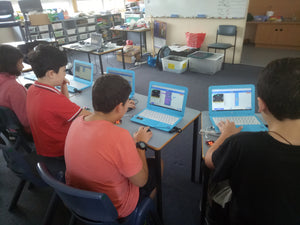 Teenagers are programming smart electronics gadgets at RUNSTEM code club