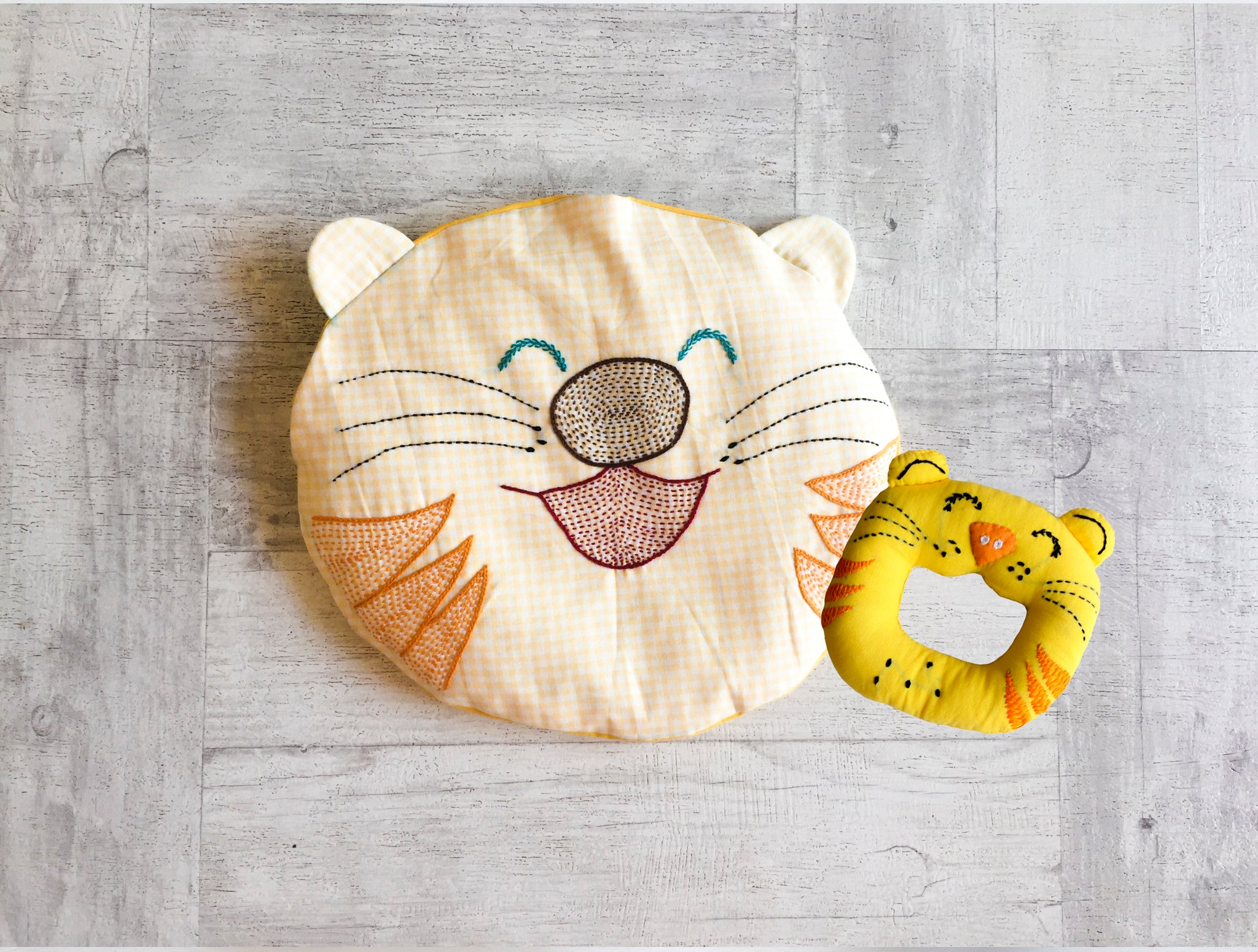 Zoo Bag - Tiger pillow & Teether - Whitewater