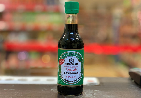万字 低盐酱油 Kikkoman Less Salt Japanese Soy Sauce 250ml