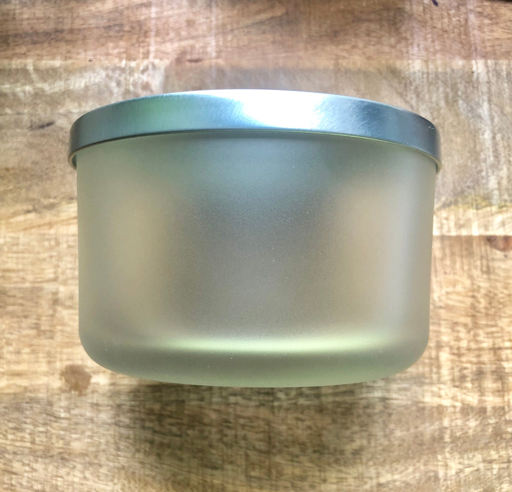 SouLuxe 22 oz. Frosted Container with Silver Lid