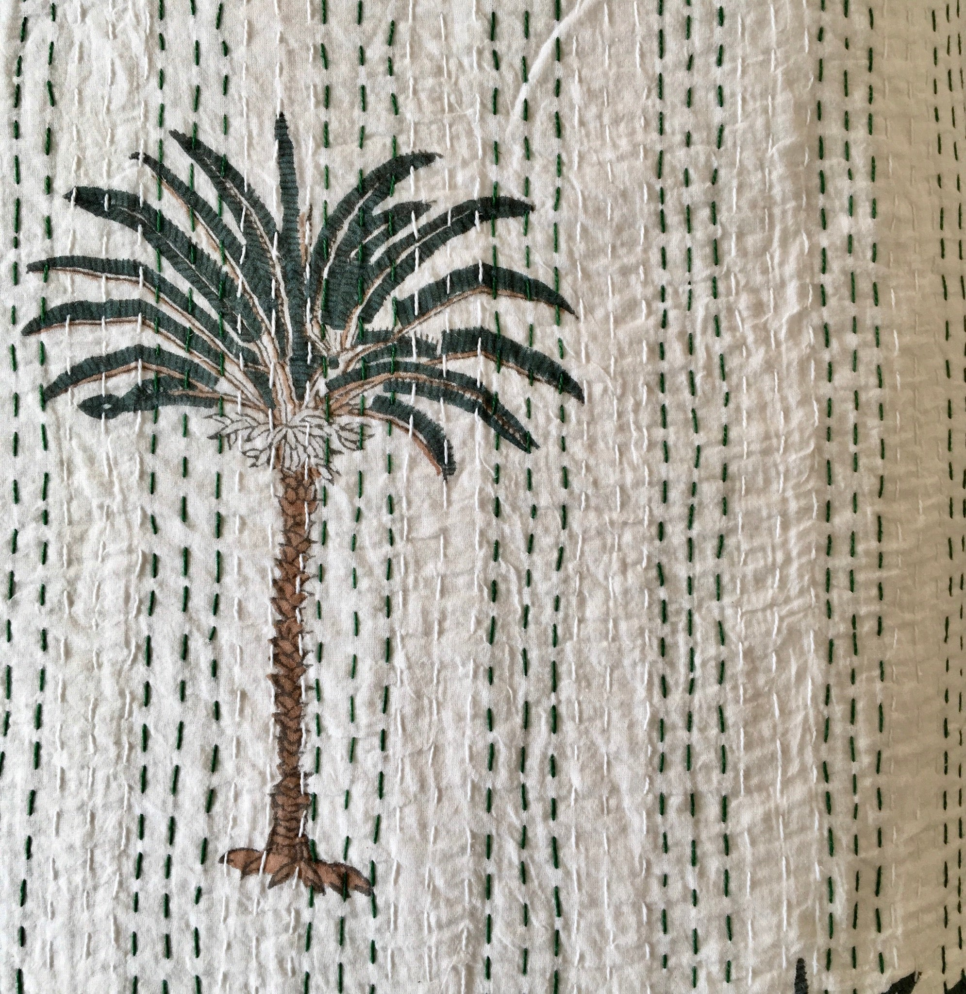 Kantha Quilt - Oasis Palm - White - Queen