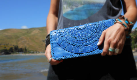 The Panorama Clutch - Electric Blue