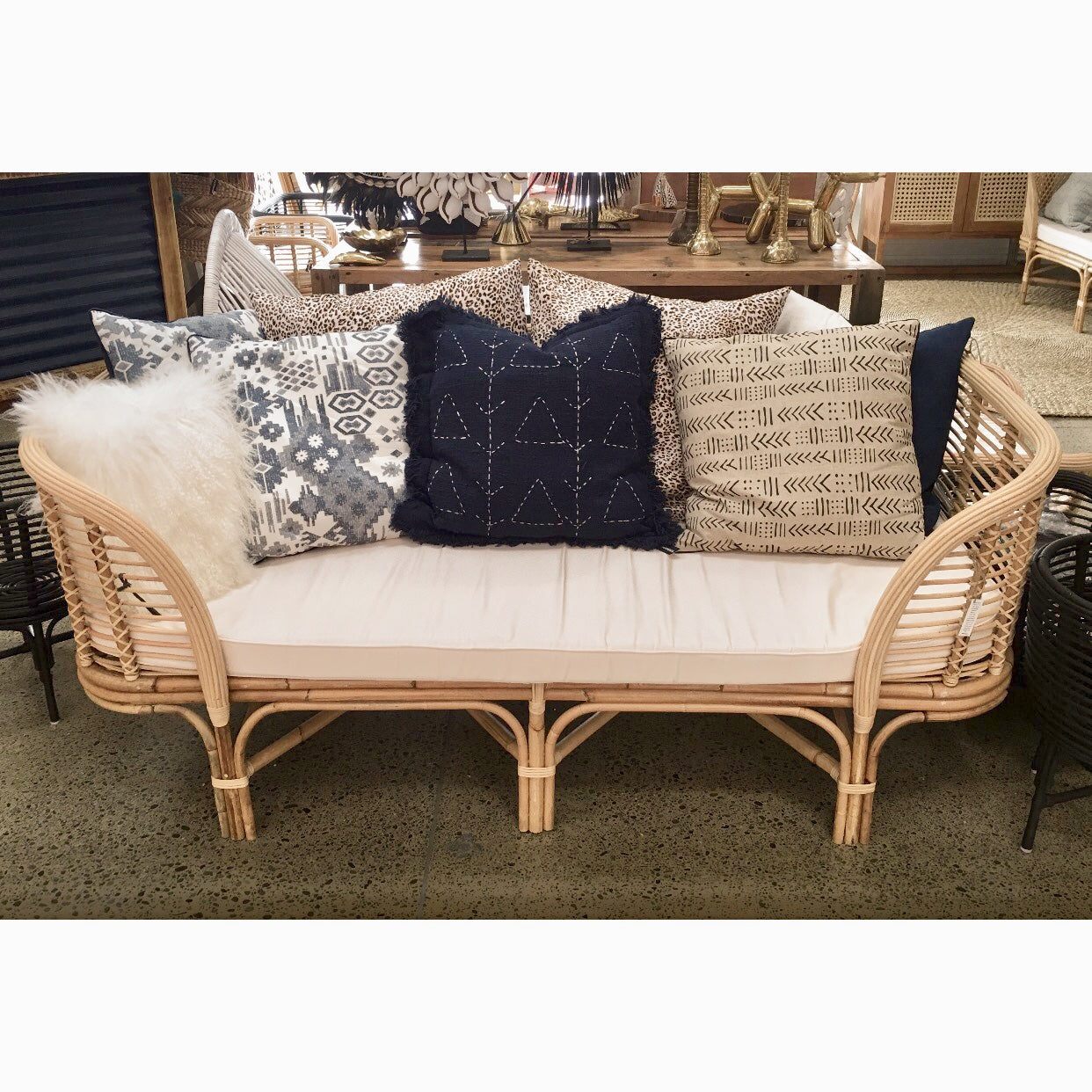 Picture of: Palm Beach Rattan Daybed Katamama
