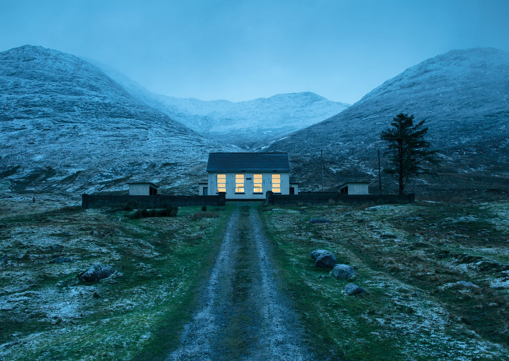 Kevin Griffin, 100 Views of Contemporary Ireland - The Library Project