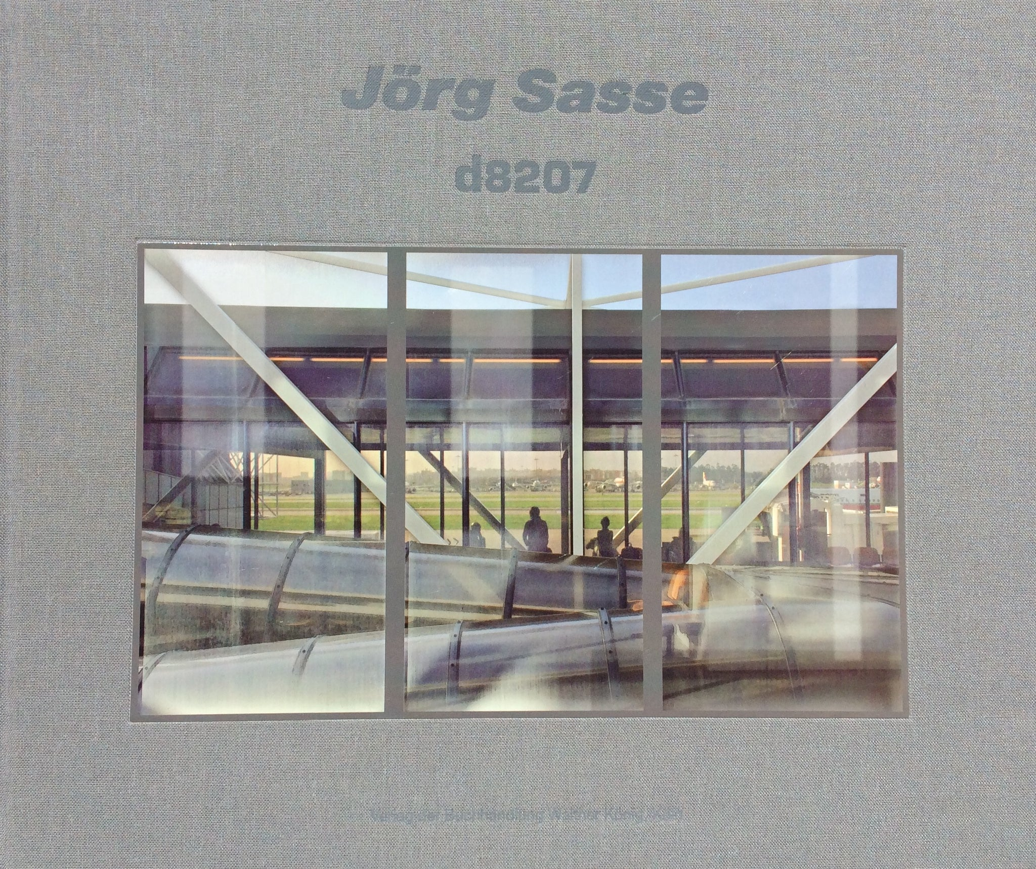 d8207, Jorg Sasse - The Library Project