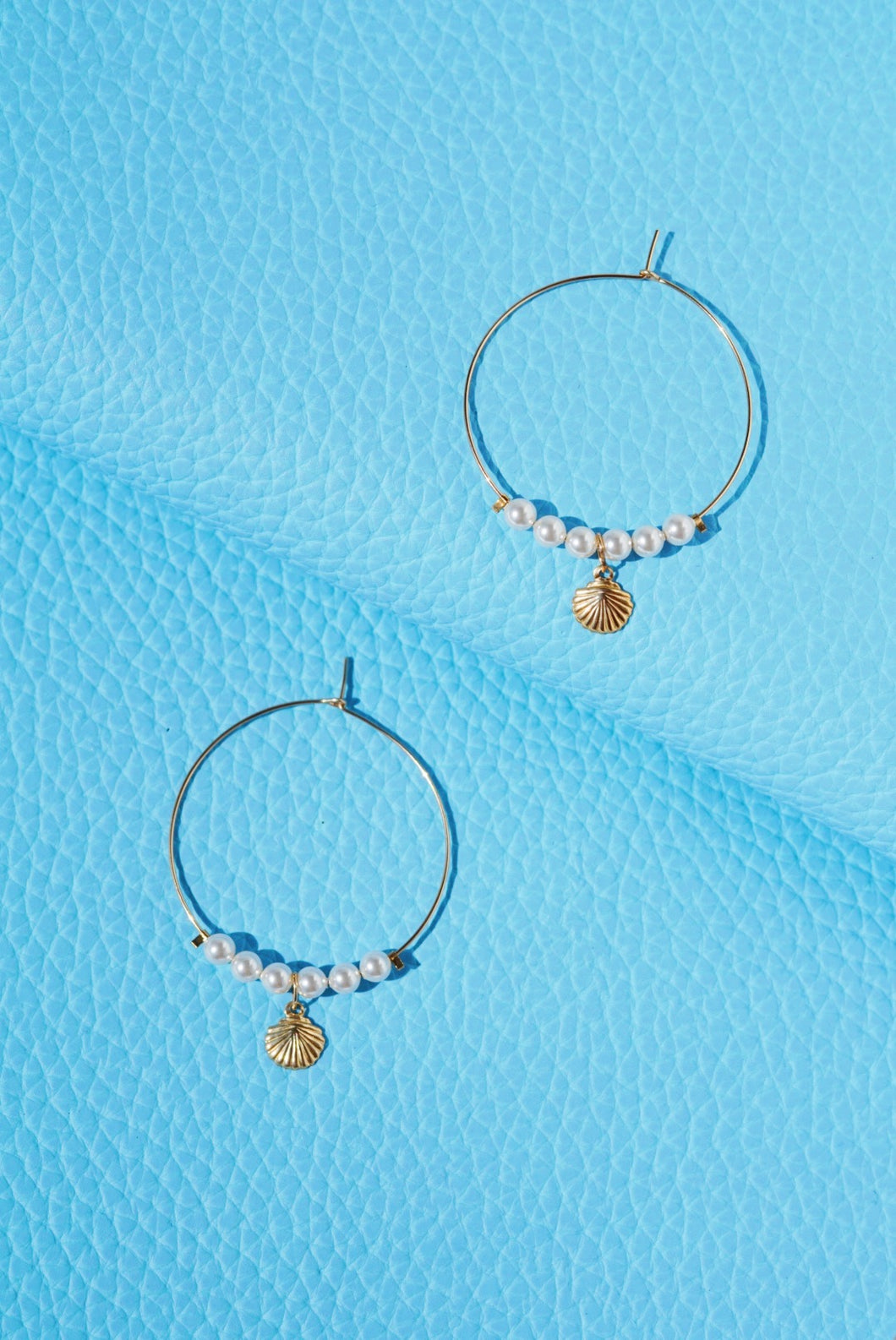 PIPPA Seashell Pearl Hoop Earrings Gold Filled