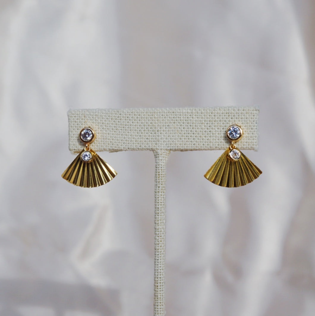 ETTA Pleated Fan Earring Gold