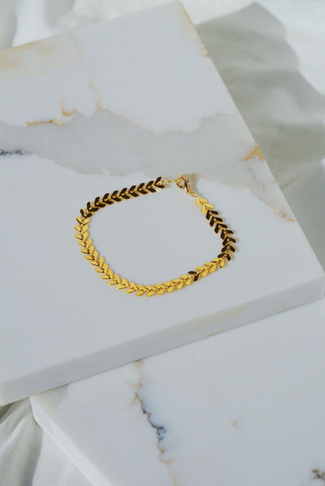KALI Arrow Chain Bracelet- Gold