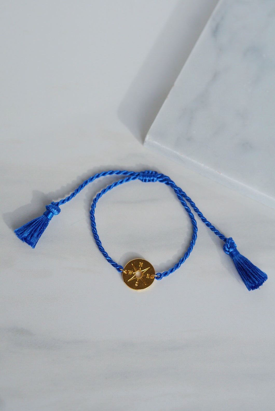 MERIDIAN Compass Charm Thread Slider Bracelet