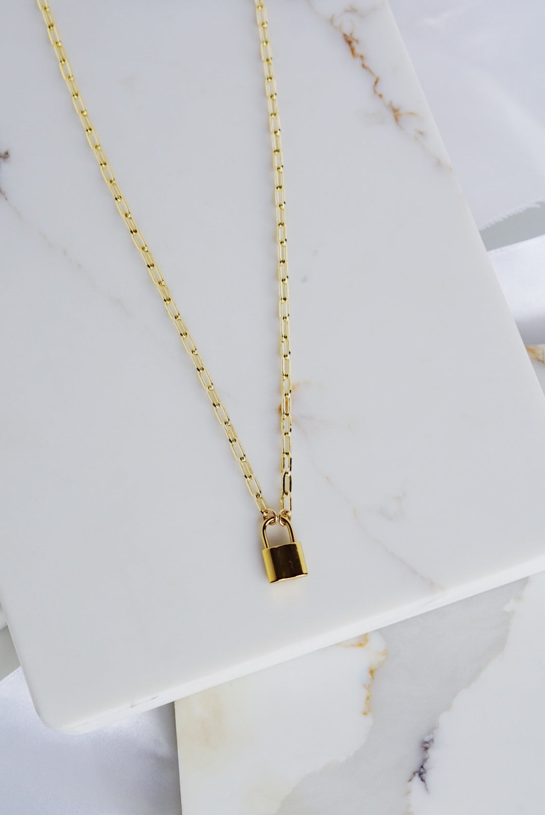 ARLO Padlock Necklace Link Chain Gold