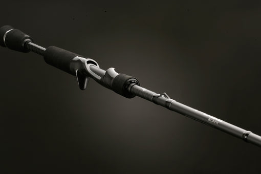 13 Fishing Muse Black Casting Rod - 2