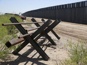 Pentagon awards first military-funded contracts for border fence in New Mexico and Arizona