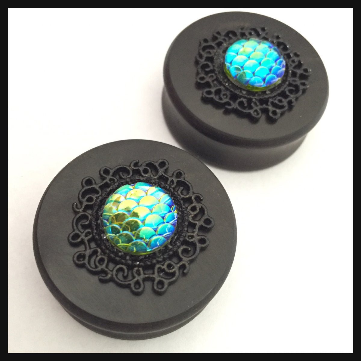 Ebony Mermaid Scale Setting Round Plugs