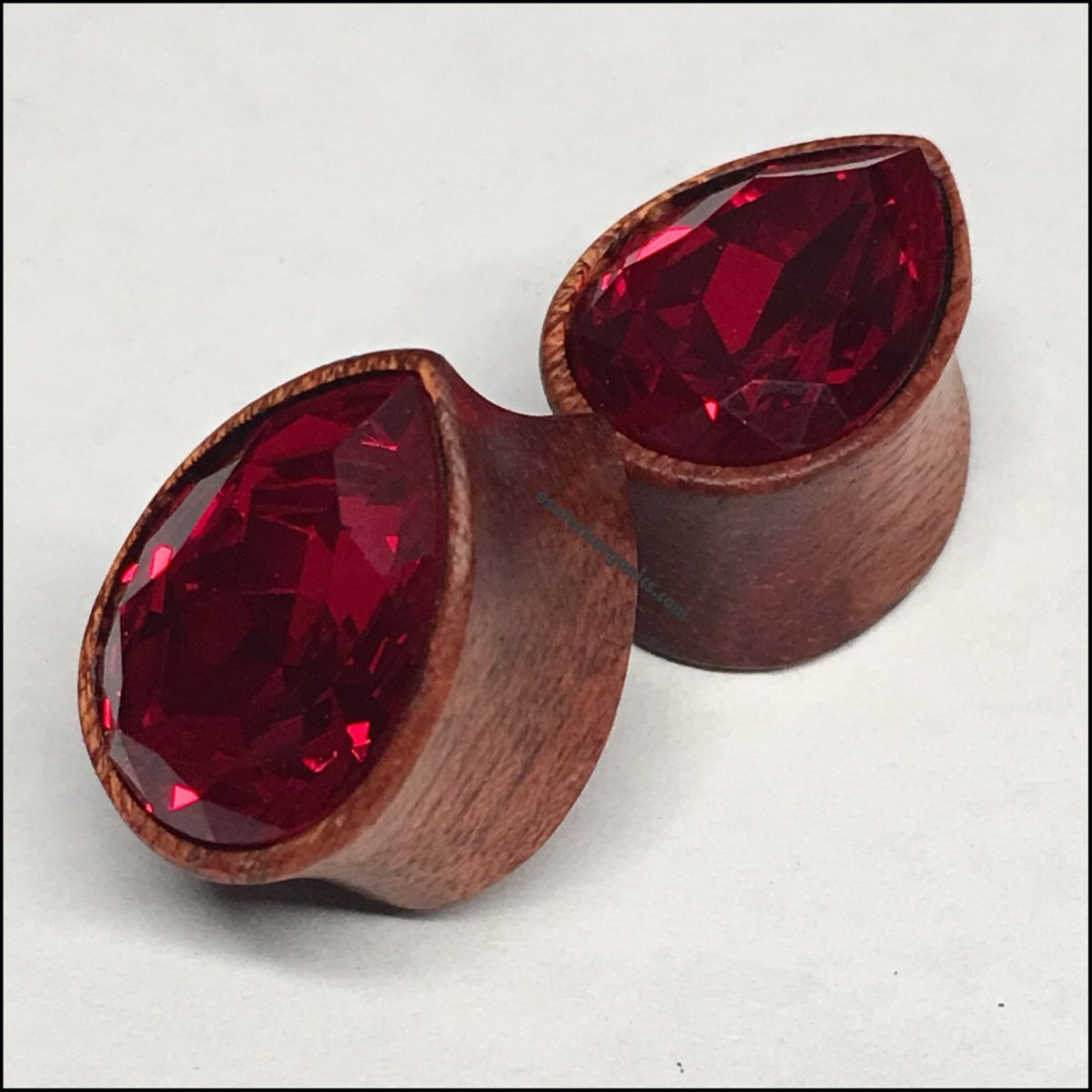 Bloodwood Med Swarovski Ruby Teardrop Plugs