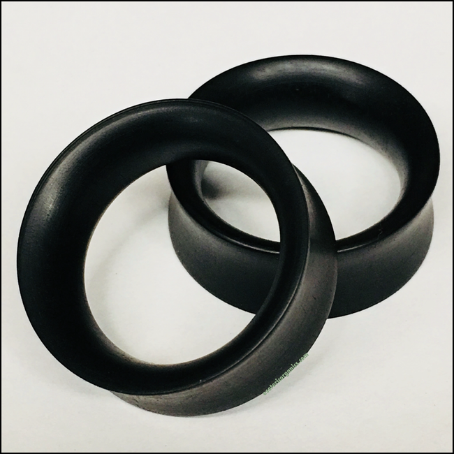 Ebony Thin Tunnels Round Plugs