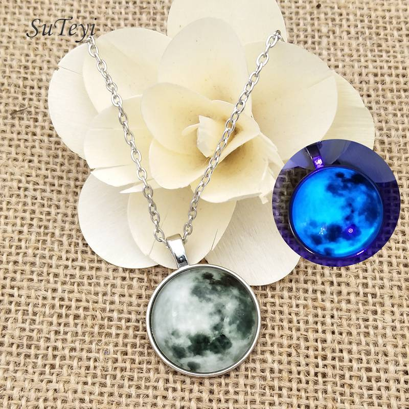 Luminous Starry sky Lunar eclipse Convex glass ball Necklace Pendant