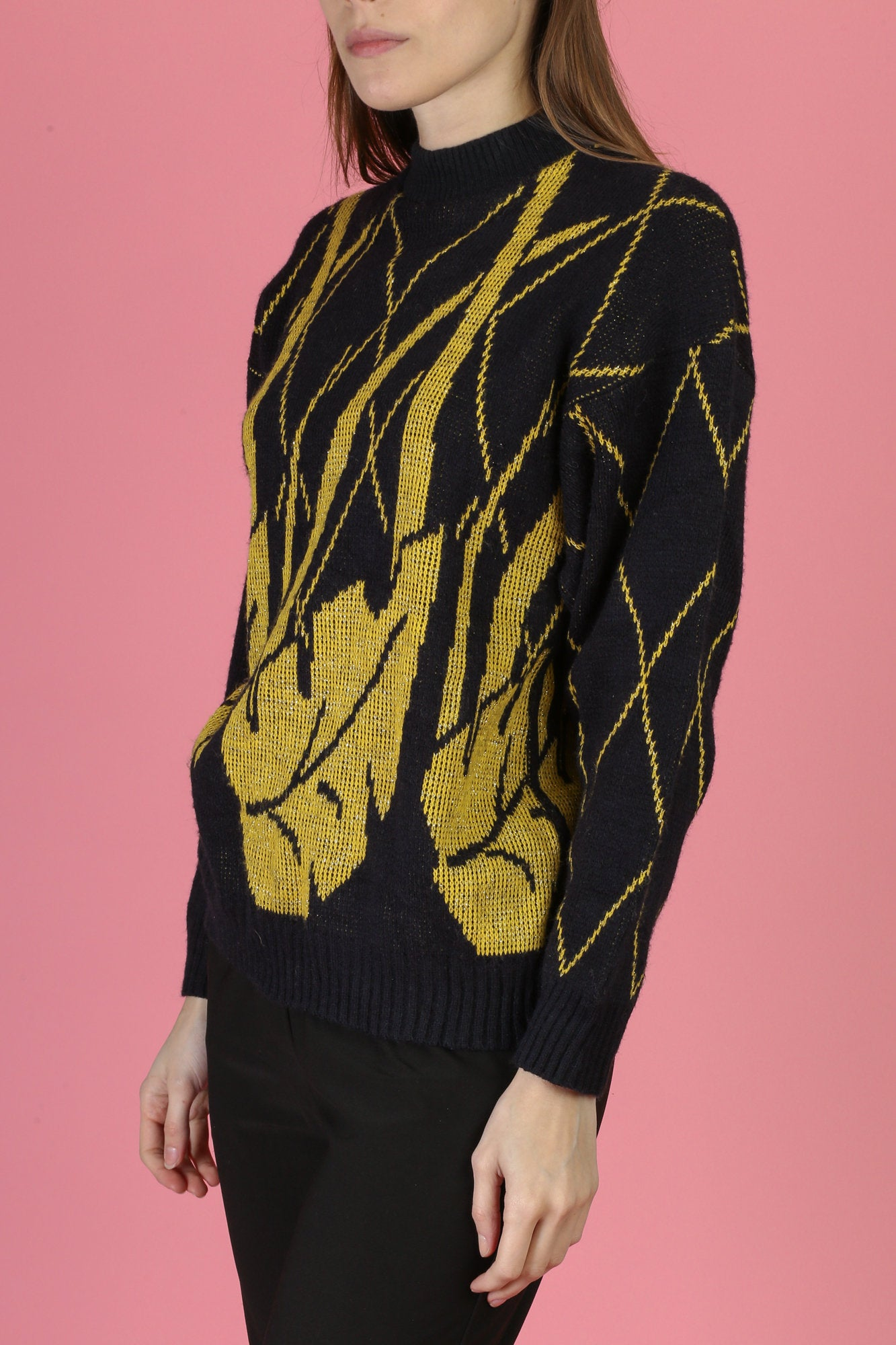 80s Black & Gold Metallic Leaf Pattern Sweater - Small