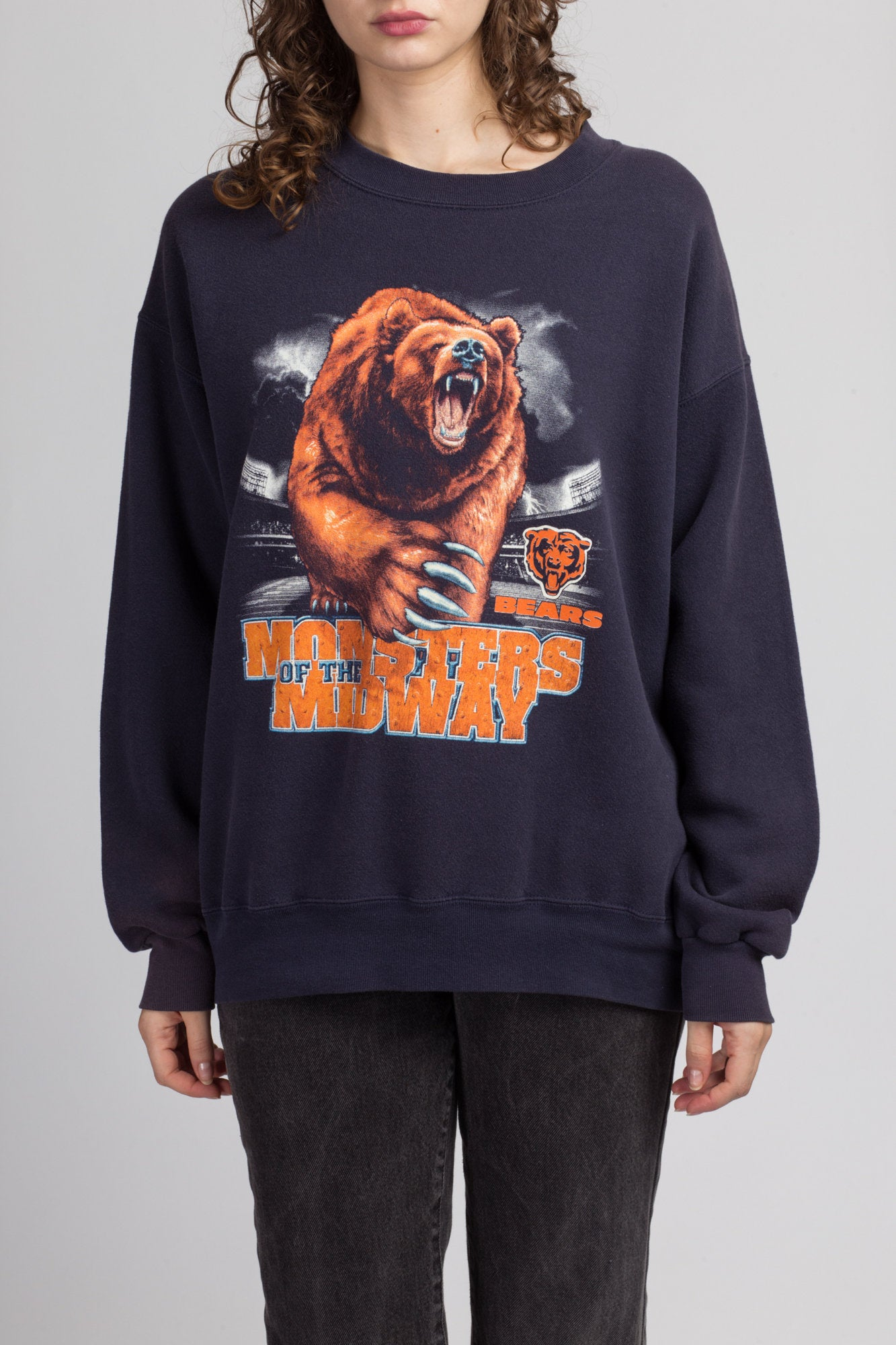 "90s Chicago Bears ""Monsters Of The Midway"" Graphic Football Sweatshirt - Large"