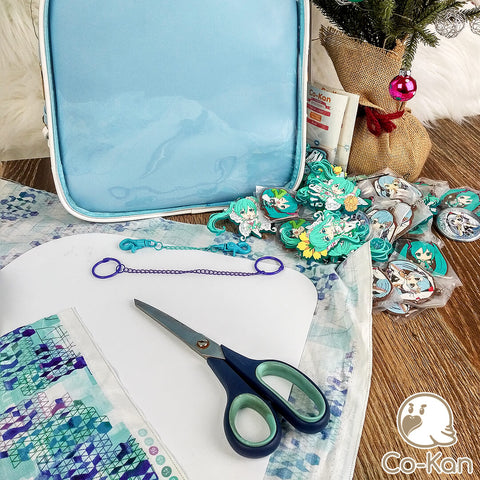 best ita bag backpack decorated miku hatsune laying out the merch