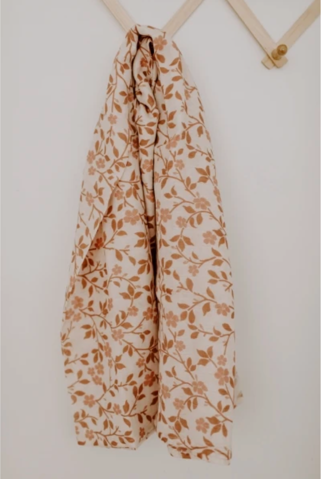 MUSLIN SWADDLE - MAGNOLIA TREE BROWN