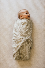 Load image into Gallery viewer, MUSLIN SWADDLE - GARDEN FLORAL - LEAFY SPRIG GRAY