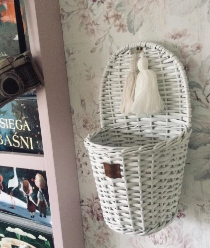 Lilu Wicker Wall Basket - White