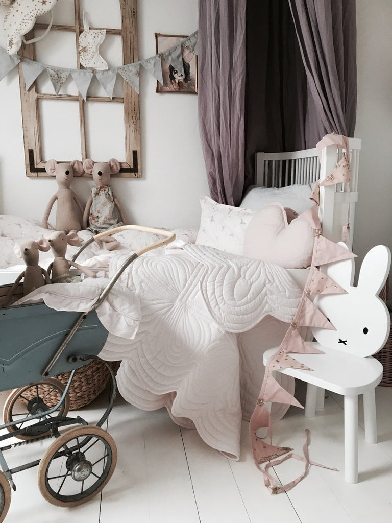 Bonne Mere Cot Quilted Bedspread and Pillow Set - Elephant Grey