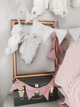 Load image into Gallery viewer, Bonne Mere Glitter Stars Bunting - Rose