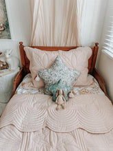 Load image into Gallery viewer, Bonne Mere Single Quilted Bedspread and Pillow Set - Dove