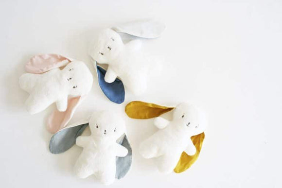**March PRE-ORDER** Bobby Snuggle Bunny 20cm