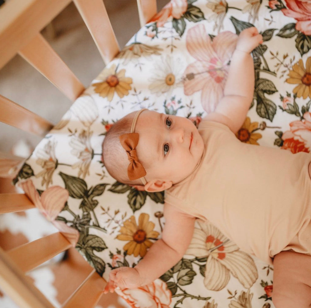 The Mini Scout Cot Sheet - White Garden Floral