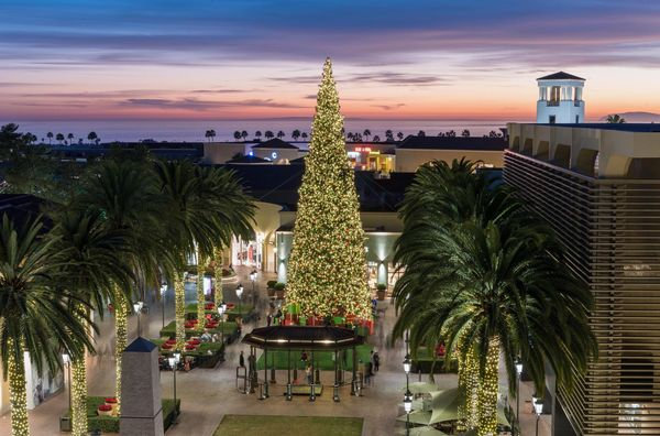 The Holidays Are Sparkling at USA Luxury Shopping Consortium Retail Districts and Shopping Centers