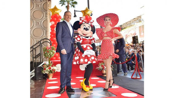 ¡Minnie Mouse recibe estrella en el Paseo de la Fama de Hollywood!