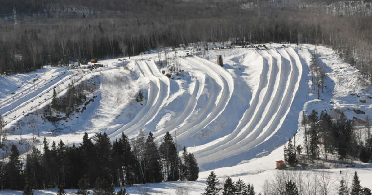 The Insane Snow Tubing Hill Close To Montreal That's Totally Worth Roadtripping To This Winter