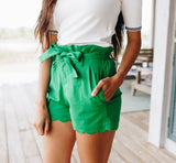 Amber Scalloped Hem Shorts In Green