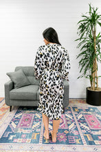 Load image into Gallery viewer, Exotic Creature Leopard Robe