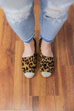 Load image into Gallery viewer, Leopard Print Espadrille Loafers