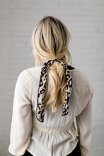 Load image into Gallery viewer, Natural Look Leopard Hair Tie In Brown