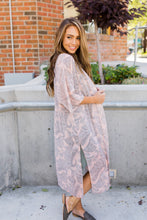 Load image into Gallery viewer, Peach Paisley Kimono