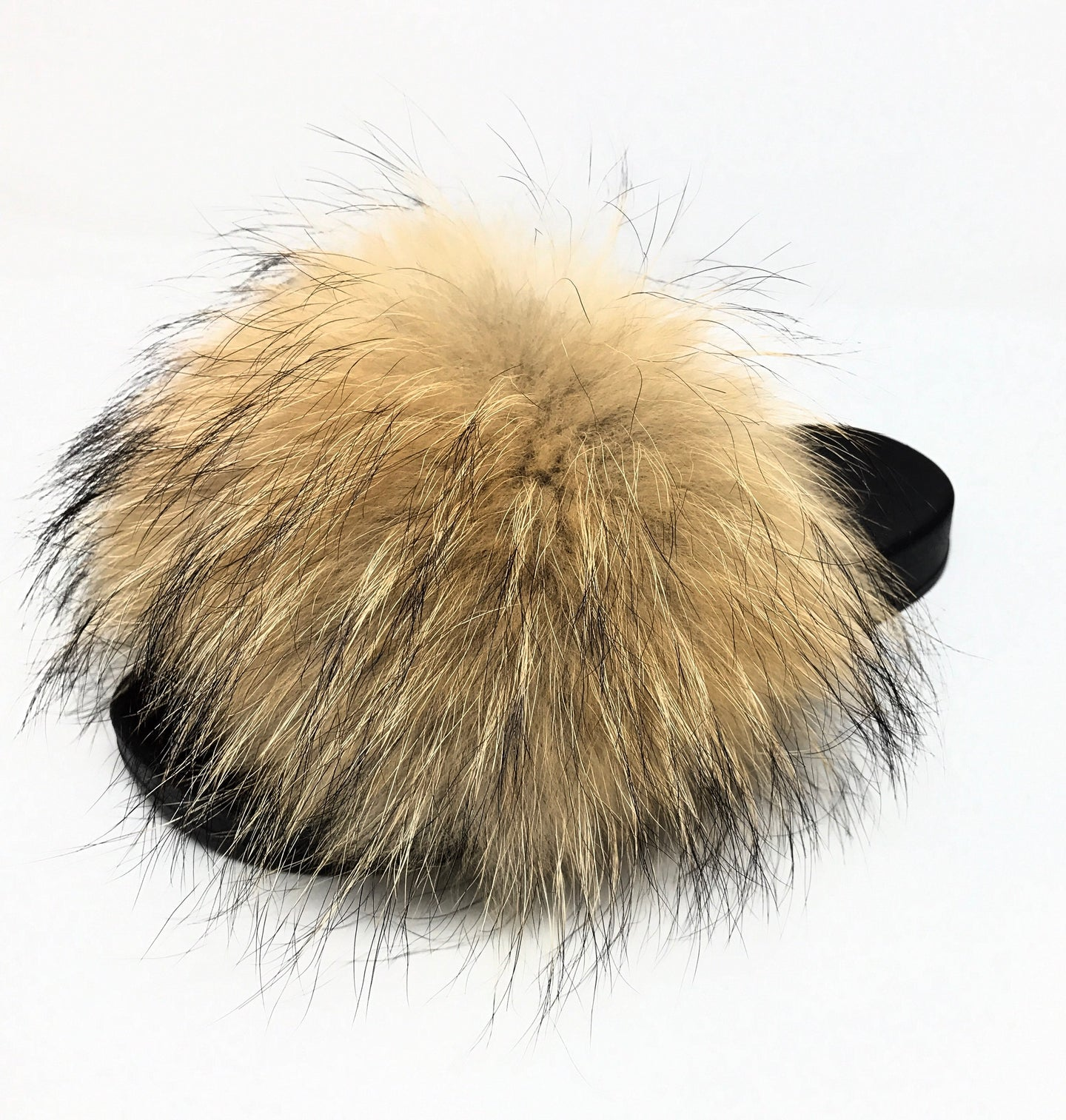 Icon Raccoon Fur Slipper in Natur
