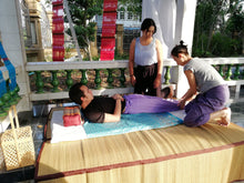 Cours de Massage Thai traditionnel et Formation en Réflexologie Plantaire - BMT Massages traditionnels à Bangkok