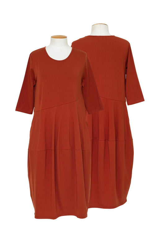 tirelli-3-4-sleeve-diagonal-seam-dress