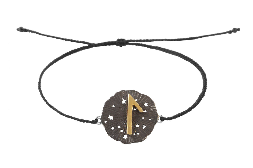 String bracelet with runic medalion amulet Laguz. Gold plated, gold plated and oxide.