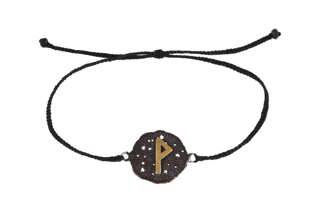 String bracelet with runic medalion amulet Wunjo. Gold plated, gold plated and oxide.