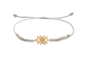 "Beaded semprecious stone bracelet with bind rune ""Health amulet"". Gold plated."