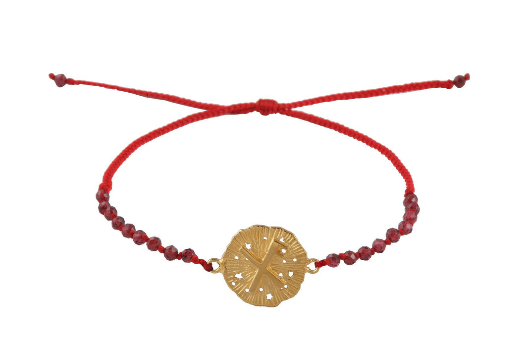 Beaded semprecious stone bracelet with runic medalion amulet Lucky. Gold plated.